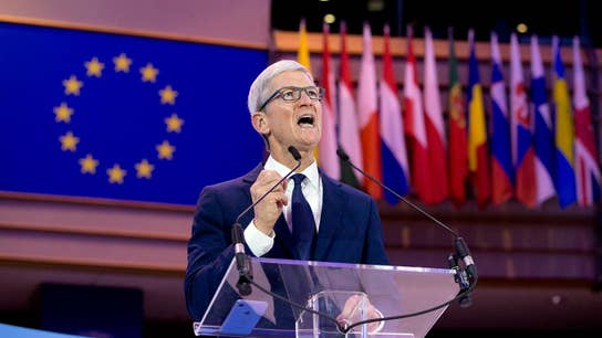 Apple CEO Tim Cook pushes for stronger privacy laws