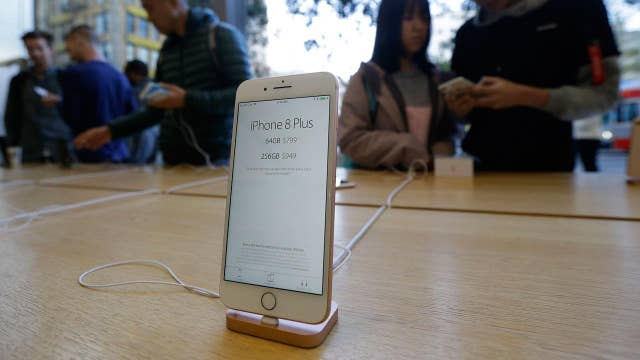 Apple's iPhone gets endorsement from Chinese media bigwig