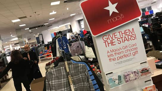 Macy's reports weak holiday sales