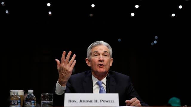 Sen. Warren questions Fed's Powell over BB&T-SunTrust deal review process