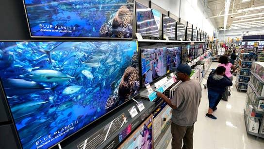 Walmart's e-commerce sales soar 43% in battle against Amazon