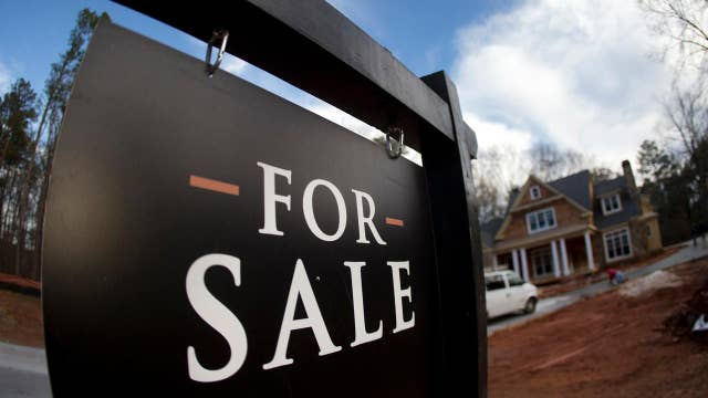 Mortgage rates see big drop ahead of busy spring housing market