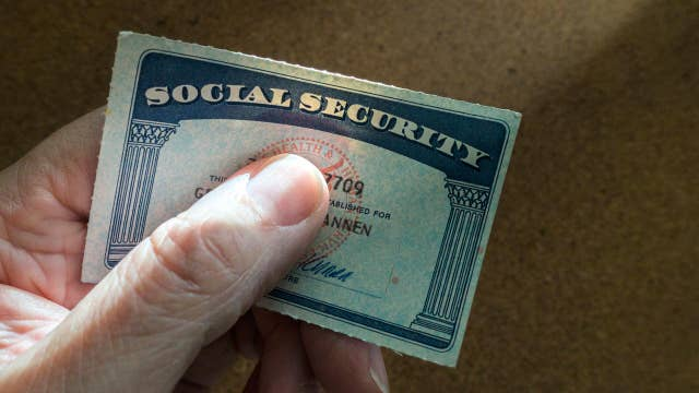 Alan Greenspan on the need to resolve the Social Security system