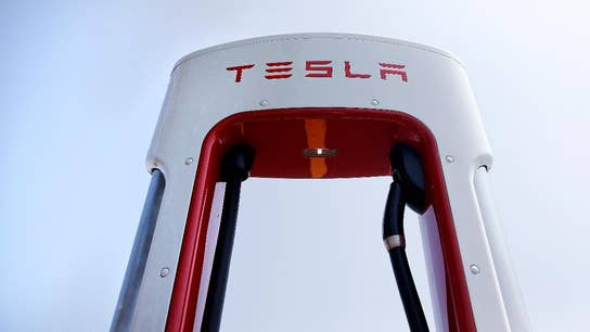 Tesla stock trades slightly higher after Q1 earnings miss
