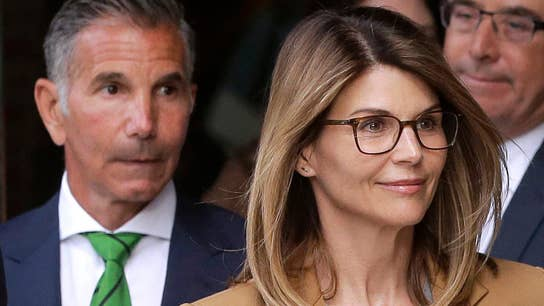 Lori Loughlin, Mossimo Giannulli indicted on money laundering charges