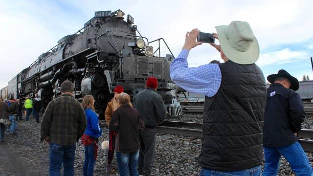Big Boy locomotive returns to rails after renovation