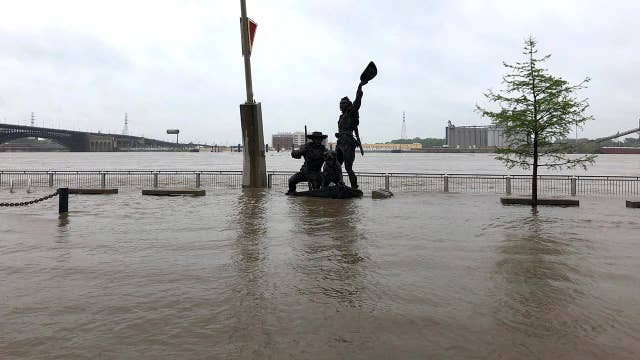 Mississippi River flooding hurts farmers in Midwest