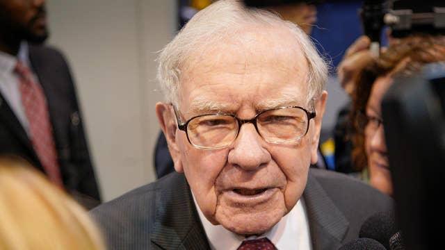 Warren Buffett: Howard Schultz is unlikely to win 2020 presidential election