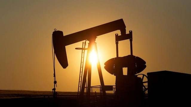 Oil prices slip as economic fears outweigh tanker tensions