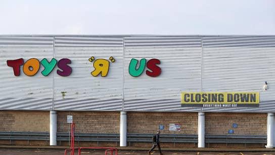 Elizabeth Warren blaming private equity for demise of Toys 'R' Us
