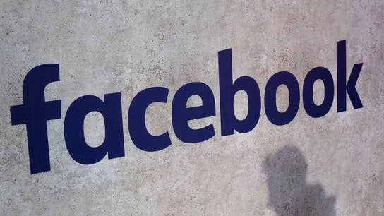 Facebook listening to voice chats, paying contractors to transcribe them