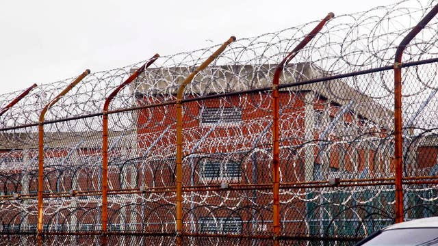 We can save money by turning Rikers facilities into homeless shelters: Former NYC police commissioner