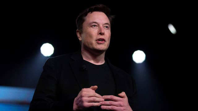Is Elon Musk's Mars mission realistic? A theoretical physicist says yes, if they pay the bills