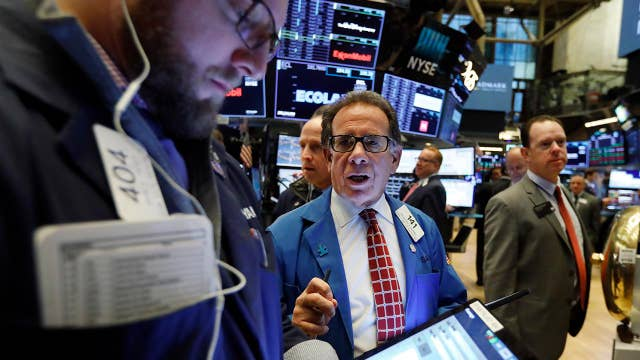 Retail earnings, trade uncertainty weigh on stocks