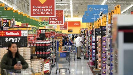 Walmart can go toe-to-toe with Amazon: Investor