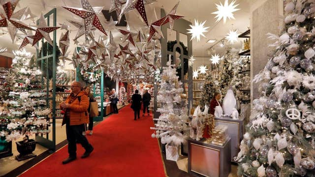 US on track for a 'really good' holiday retail season: National Retail Federation president
