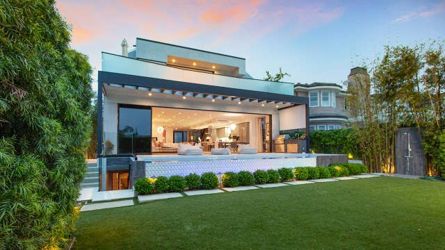 Check out this Food Network's LA home that just sold