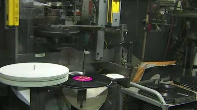 Vinyl record sales up, on track to dominate CDs
