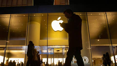 Apple posts strong quarterly earnings; Chipotle accused of violating child labor laws