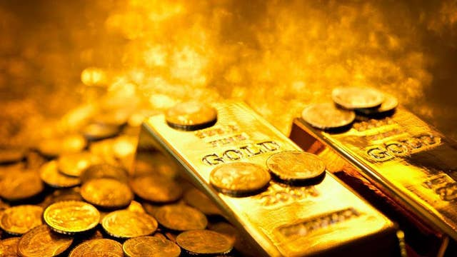 Gold trading with an optimistic forecast: Portfolio manager