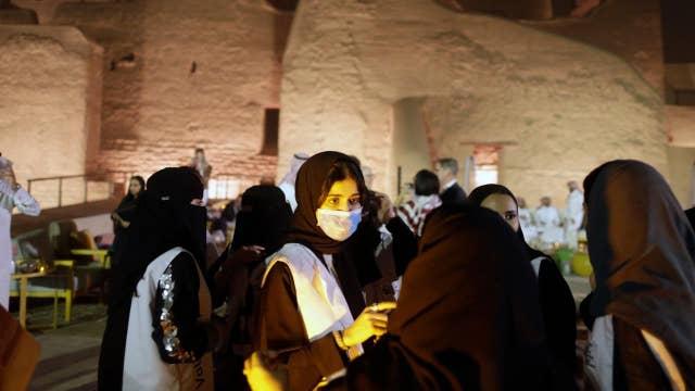 Saudi Arabia putting public safety first cancelling pilgrimages amid coronavirus fears: Muslim scholar