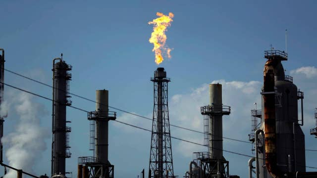 Oil plummets to disasterous record low