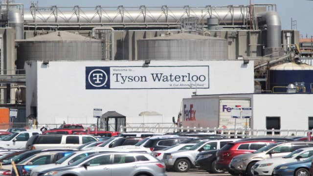 Tyson Foods to suspend Waterloo, Iowa, pork processing plant