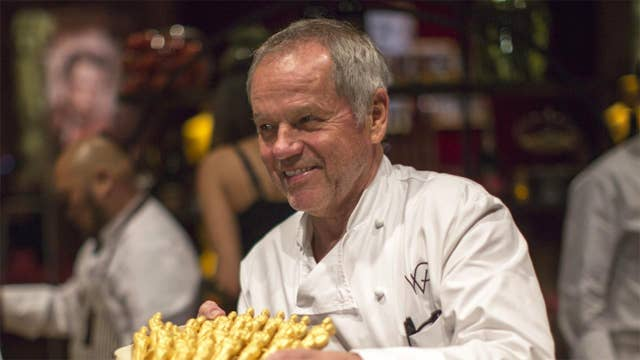 Wolfgang Puck calls for coronavirus bailout for restaurant industry