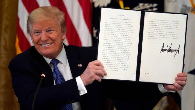 Trump signs deregulation executive order