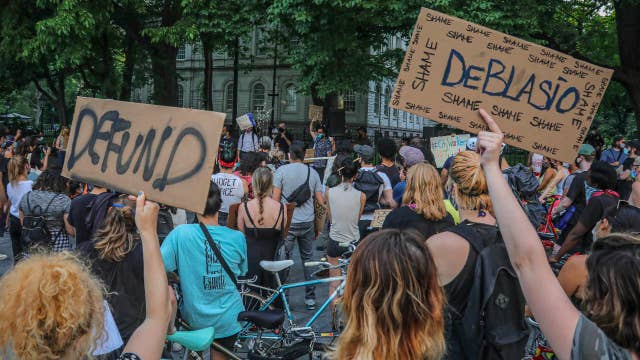 Trump calls de Blasio's NYPD defunding 'very sad'