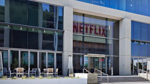 Netflix sees light earnings, better than expected sales