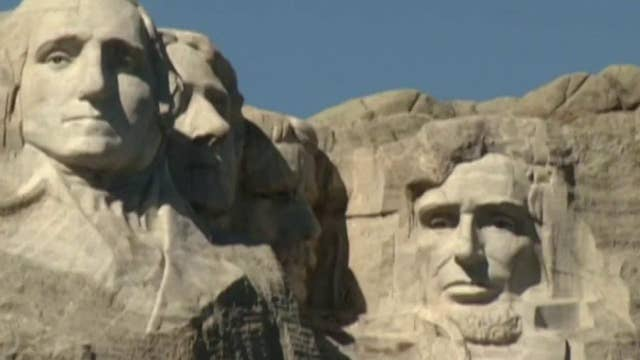 Mount Rushmore revives July 4th firework show