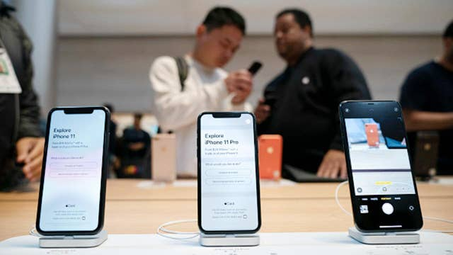 New Apple iPhones to use OLED screens to entice customers
