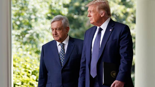 Trump commends Mexican president for cooperation on trade, coronavirus