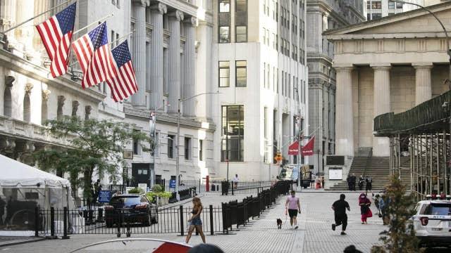 New York Democrats push for Wall Street tax