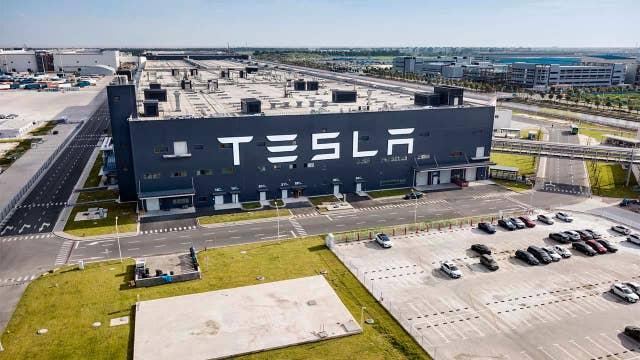 Analyst sets Tesla stock price target at $578