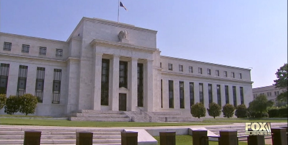 Next week Wall Street braces for some big earnings and speeches from key Fed officials. Christina Scotti reports