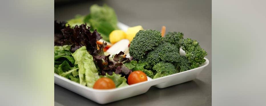 Farmer's Fridge founder Luke Saunders on developing a kiosk that sells fresh salads, breakfast foods and snacks.