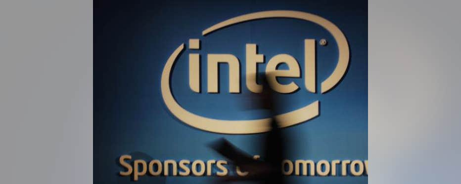 Intel CEO Brian Krzanich on doing business in Israel, the firm's new conflict free initiative, and the wearables market.