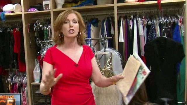 FBN's Liz Claman reports from Penthouse, weighing in on the growing porn industry.