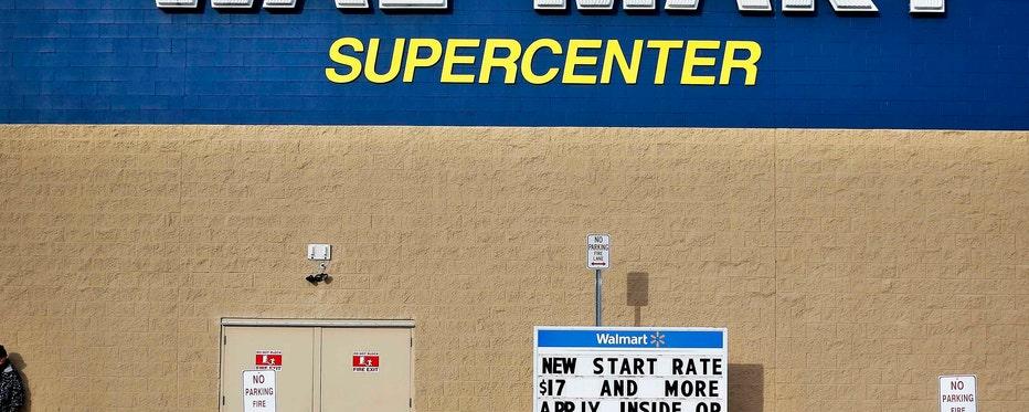 FBN's Liz MacDonald on Wal-Mart's push to increase online sales.