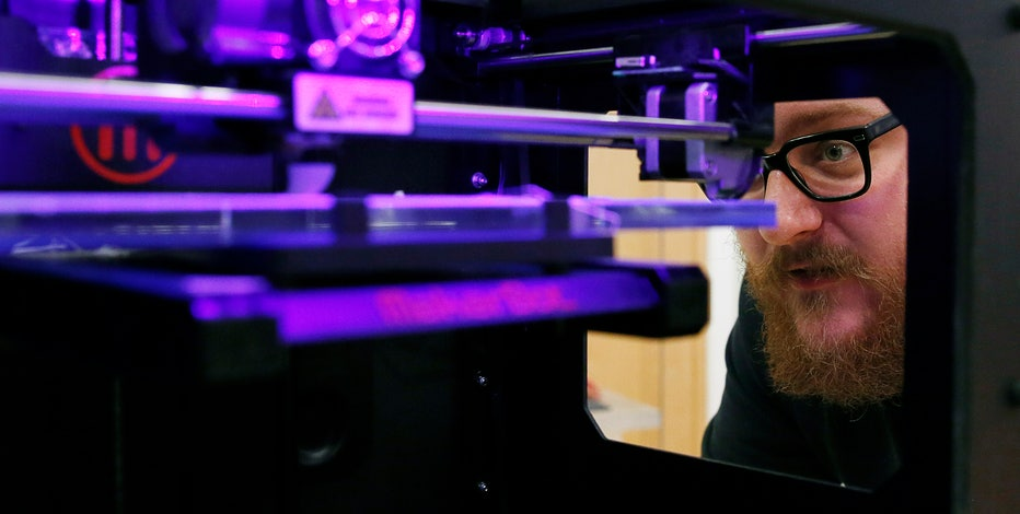 Alan Meckler, CEO and Chairman of MediaBistro, says 3D printing technology could have a greater impact on society than the Internet.