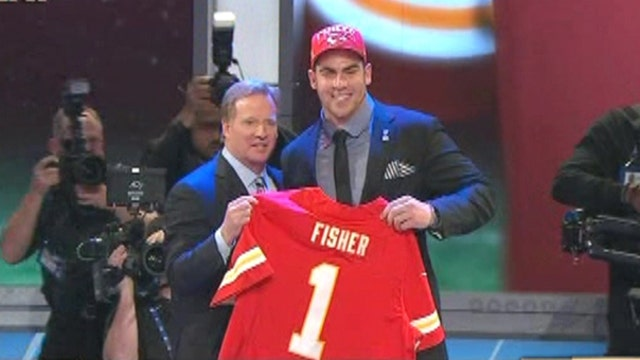 FBN's Seana Smith gives a behind-the-scenes look at the NFL draft and how the players are planning for their financial future.