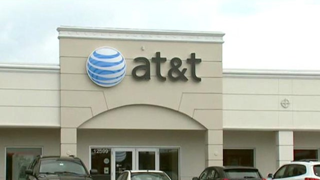 FBN's Jo Ling Kent on AT&T's new plan that allows customers to upgrade more often.