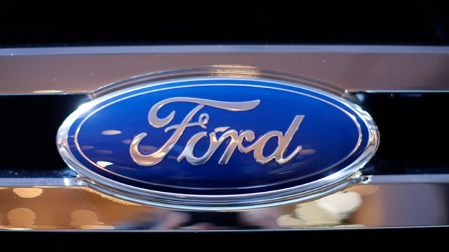 FBN's Jo Ling Kent on Ford's use of social media to recruit as many as 3,000 employees.