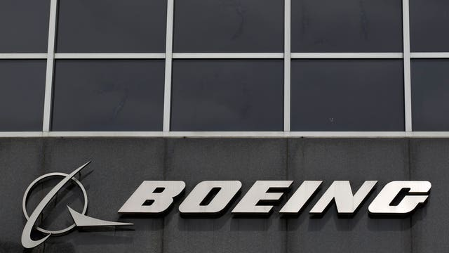 FBN's Diane Macedo reports on Boeing's 2Q earnings beat, and Caterpillar's soft results.