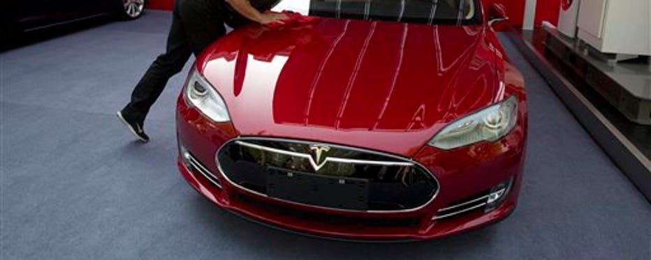 FBN's Liz MacDonald on Tesla's Model S problems.