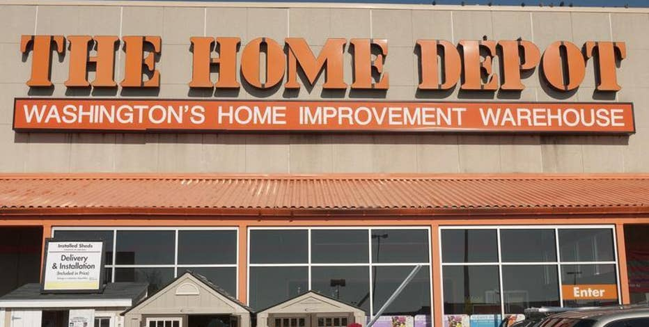 Diane Macedo reports that Home Depot has beat estimates with its 2Q earnings report.
