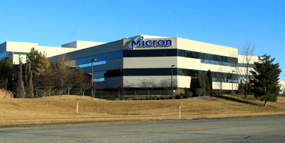 A&G Capital CIO Hilary Kramer, FBN's Charles Payne, Penn Financial Group founder Matt McCall and retail analyst Hitha Prabhakar debate the outlook for Micron Technology.