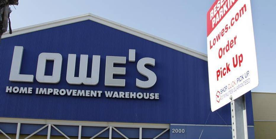 Diane Macedo reports that Lowe's beat estimates with its 2Q earnings.